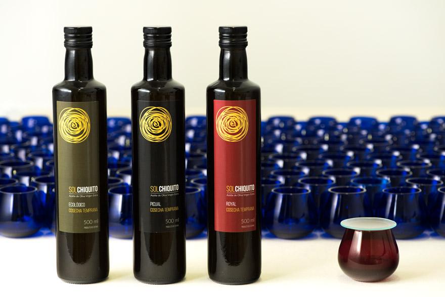 cata-de-aceite-de-oliva-virgen-extra-sol-chiquito-tres-botellas